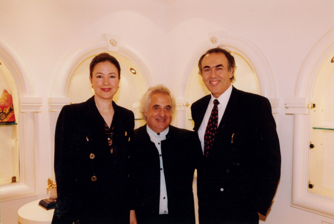 Grand opening of the Carrera Y Carrera Boutique in 1997, at the lobby of the St. Francis Hotel
