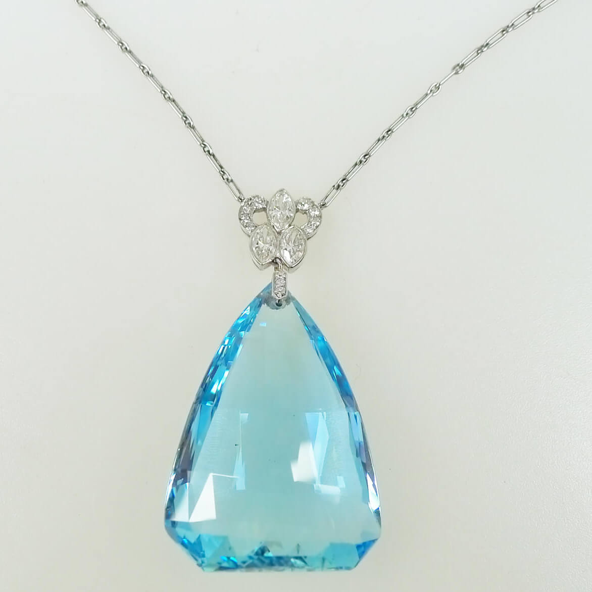 etc briolette pendant bloomize left