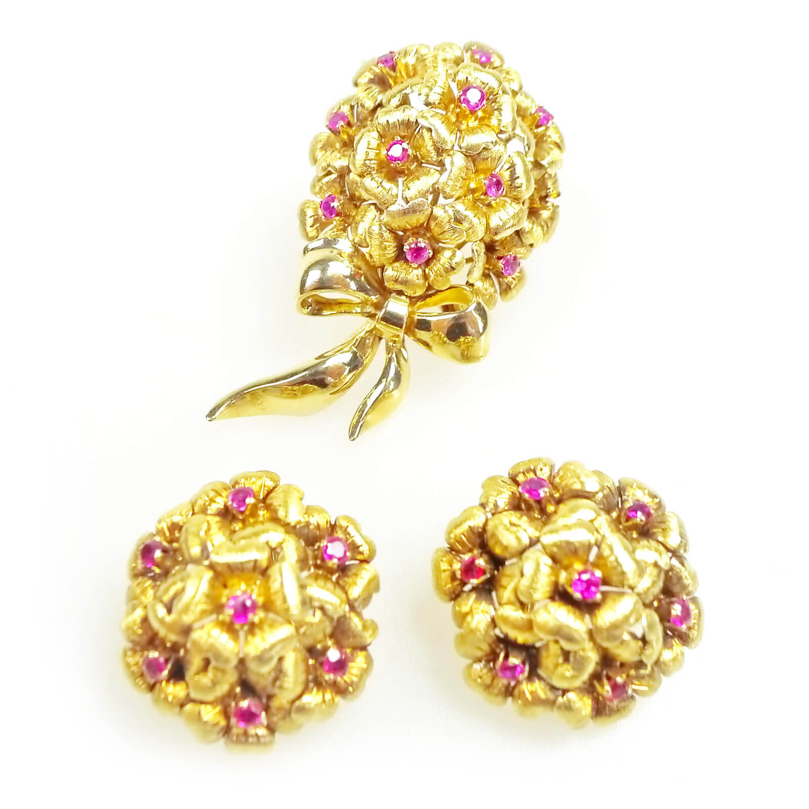 Tiffany 18k yellow gold ruby brooch earring suite complete